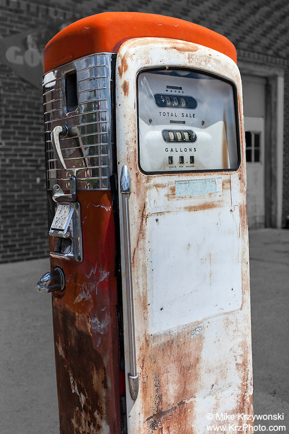 Old gas pump in Crab Orchard, NE