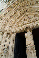 Statues decorating the arches of Saint Andre Cathedral, Bordeaux, Aquitaine, France.