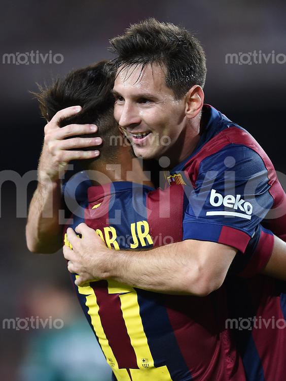 FUSSBALL  INTERNATIONAL   SAISON 2011/2012   18.08.2014 Gamper Cup 2014 FC Barcelona - Leon FC JUBEL Barca; Lionel Messi (re) umarmt Neymar
