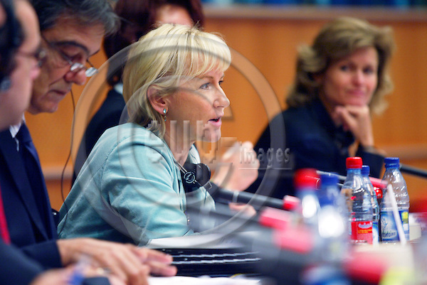 BRUSSELS - BELGIUM - 04 OCTOBER 2005 -- Margot WALLSTROM (Wallstr?m, Wallstroem) Commissioner for information strategy meeting with the Committee on Culture and Education in the EU Parl.  PHOTO: ERIK LUNTANG / EUP-IMAGES..