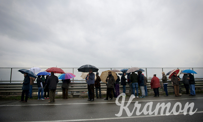 fans, rain, umbrellas<br /> <br /> 106th Milano - San Remo 2015
