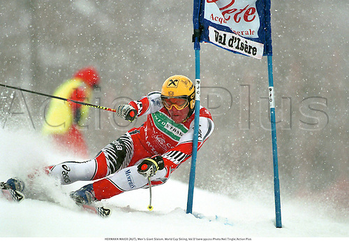 HERMANN MAIER (AUT), Men's Giant Slalom. World Cup Skiing, Val D'Isere 991211 Photo:Neil Tingle/Action Plus...1999.Snow.winter sport.winter sports.wintersport.wintersports.alpine.ski.skier.man