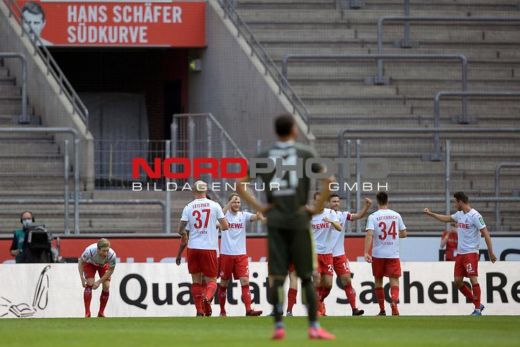 nph00351: Torjubel um Florian KAINZ (3.v.li,1.FC KOELN),<br /> nach Tor zum 2-0 mit Mitspieler.<br /> Sport: Fussball: 1. Bundesliga: Saison 19/20: 26.Spieltag: 1.FC KOELN-FSV MAINZ 05,17.05.2020.<br /> Foto: Anke Waelischmiller/SVEN SIMON/POOL / via Meuter/nordphoto<br /> <br /> Nur für journalistische Zwecke! Only for editorial use!<br /> Gemäß den Vorgaben der DFL Deutsche Fußball Liga ist es untersagt, in dem Stadion und/oder vom Spiel angefertigte Fotoaufnahmen in Form von Sequenzbildern und/oder videoähnlichen Fotostrecken zu verwerten bzw. verwerten zu lassen. DFL regulations prohibit any use of photographs as image sequences and/or quasi-video.<br /> <br /> <br />  <br /> Foto: Anke Waelischmiller/SVEN SIMON/POOL/via Meuter/nordphoto