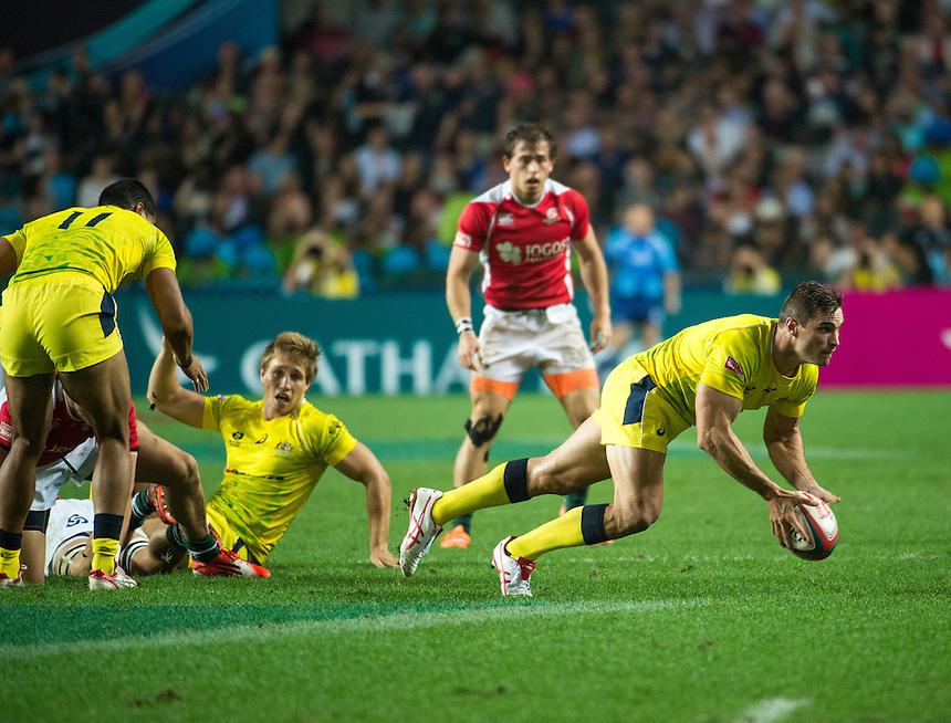Ed Jenkins of Australia passes the ball.Australia vs Portugal.27.03.15. 27th March 2015.