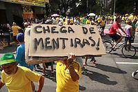 SÃO PAULO,SP, 16.08.2015 - PROTESTO-SP - Manifestantes durante ato contra o governo Dilma Rousseff (Partido dos Trabalhadores) na Avenida Paulista em São Paulo, neste domingo, 16. (Foto: Amauri Nehn/Brazil Photo Press)