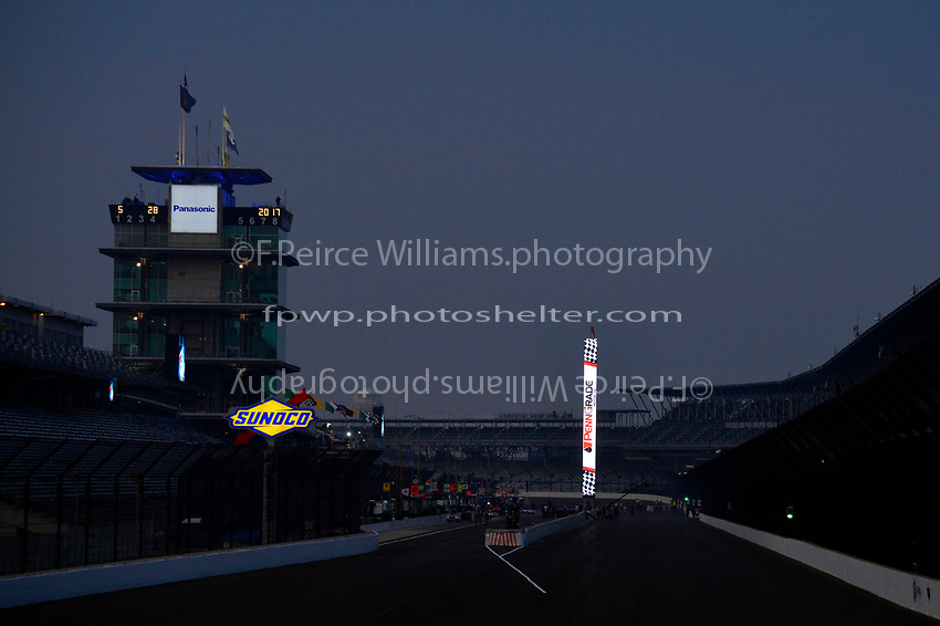 Verizon IndyCar Series<br /> Indianapolis 500 Race<br /> Indianapolis Motor Speedway, Indianapolis, IN USA<br /> Sunday 28 May 2017<br /> Race Morning, Pagoda and scoring pylon.<br /> World Copyright: F. Peirce Williams<br /> LAT Images