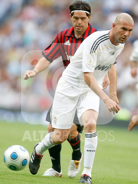 Real Madrid's Zinedine Zidane during corazon classic friendly veterans match. May 30, 2010. (ALTERPHOTOS/Alvaro Hernandez)