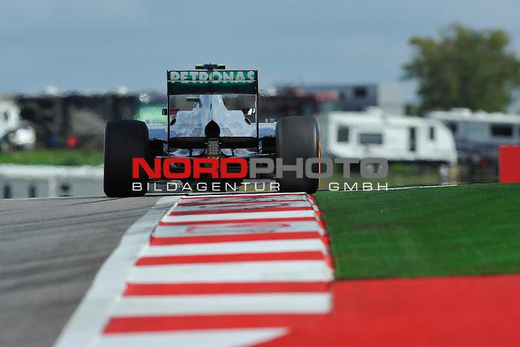 15.-17.11.2013, Circuit of The Americas, Austin, USA, FIA, Formel 1, United States Grand Prix, Qualifikation, im Bild  Lewis Hamilton (GBR), Mercedes GP <br />  Foto &copy; nph / Mathis