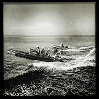 Sea Watch-2.<br /> Die Sea Watch-2 bei ihrer 13. SAR-Mission vor der libyschen Kueste.<br /> Im Bild: Die beiden Tender der Sea Watch-2 fahren zu einer Stelle, wo ein Schlauchboot gesichtet wurde.<br /> 20.10.2016, Mediterranean Sea<br /> Copyright: Christian-Ditsch.de<br /> [Inhaltsveraendernde Manipulation des Fotos nur nach ausdruecklicher Genehmigung des Fotografen. Vereinbarungen ueber Abtretung von Persoenlichkeitsrechten/Model Release der abgebildeten Person/Personen liegen nicht vor. NO MODEL RELEASE! Nur fuer Redaktionelle Zwecke. Don't publish without copyright Christian-Ditsch.de, Veroeffentlichung nur mit Fotografennennung, sowie gegen Honorar, MwSt. und Beleg. Konto: I N G - D i B a, IBAN DE58500105175400192269, BIC INGDDEFFXXX, Kontakt: post@christian-ditsch.de<br /> Bei der Bearbeitung der Dateiinformationen darf die Urheberkennzeichnung in den EXIF- und  IPTC-Daten nicht entfernt werden, diese sind in digitalen Medien nach §95c UrhG rechtlich geschuetzt. Der Urhebervermerk wird gemaess §13 UrhG verlangt.]