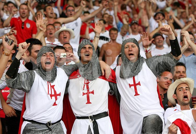 Fussball WM 2006   Achtelfinale   England - Ecuador Englische Fans