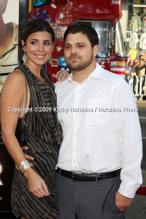 "Jamie-Lynn Sigler & Jerry Ferrara  arriving  at the World Premiere of ""Hangover"" at Grauman's Chinese Theater in Los Angeles, CA  on June 1, 2009 .©2009 Kathy Hutchins / Hutchins Photo."
