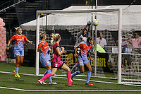 Houston Dash goalkeeper Lydia Williams (18) punches the ball away during 2-2 tie with Western New York Flash
