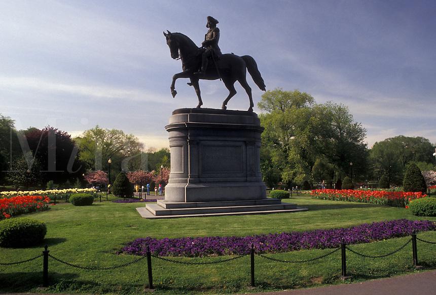 AJ3511, Boston, Boston Common, park, Massachusetts, Equestrian statue of George Washington in the Boston Common (oldest public park in America) in the spring in Boston in the state of Massachusetts.
