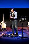 Actuación de Ismael Serrano en el Teatro Arriaga (Bilbao)..Ismael Serrano actuation in Arriaga Theater (Bilbao)