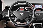 Steering wheel view of a 2011 Peugeot 807 SV Executive Minivan Stock Photo