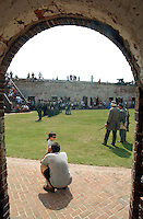 News///Fort Macon Weekend///Fort Macon was busy Saturday and Sunday as members of the 1st NC Volunteers gathered to put on demostrations for the public. PHOTO BY CHUCK BECKLEY