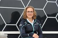 SCHAATSEN: HEERENVEEN: IJsstadion Thialf, Perspresentatie Team After Pay, Karolína Erbanová, ©foto Martin de Jong
