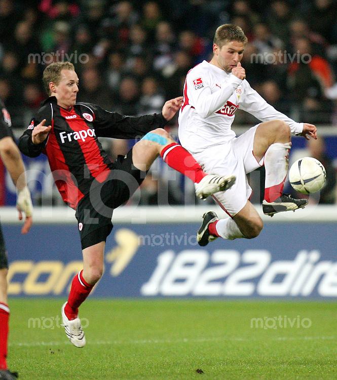 Fussball   1. Bundesliga   Saison 2006/2007   22. Spieltag Eintracht Frankfurt - VfB Stuttgart              Christoph PREUSS (li, Frankfurt) gegen Thomas HITZLSPERGER (re, Stuttgart)