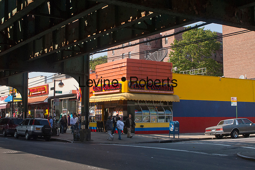 Businesses and restaurants along Roosevelt Avenue in the jackson Heights neighborhood of Queens in New York on Sunday, october 14, 2012. (© Richard B. Levine)