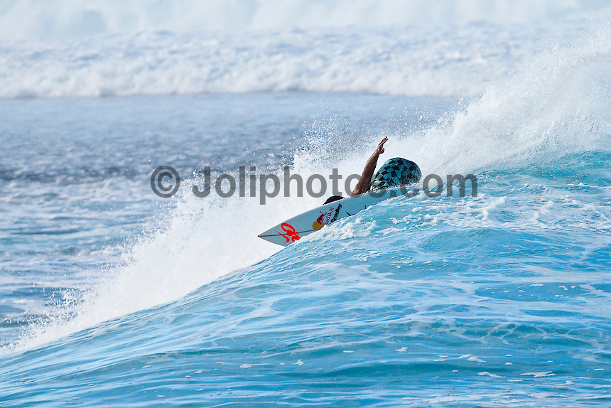 MICHEL BOUREZ (PYF)  surfing at Teahupoo, Tahiti, (Thursday May 7 2009.) Photo: joliphotos.com