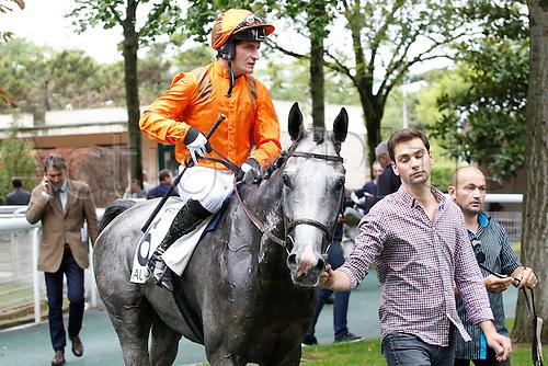 15.09.2016. Auteuil Racecourse, Paris, France.  Race 3-Alain Et Gilles De Goulaine Listed Handicap Hurdle.  Chase. Capivari - Regis Schmidlin