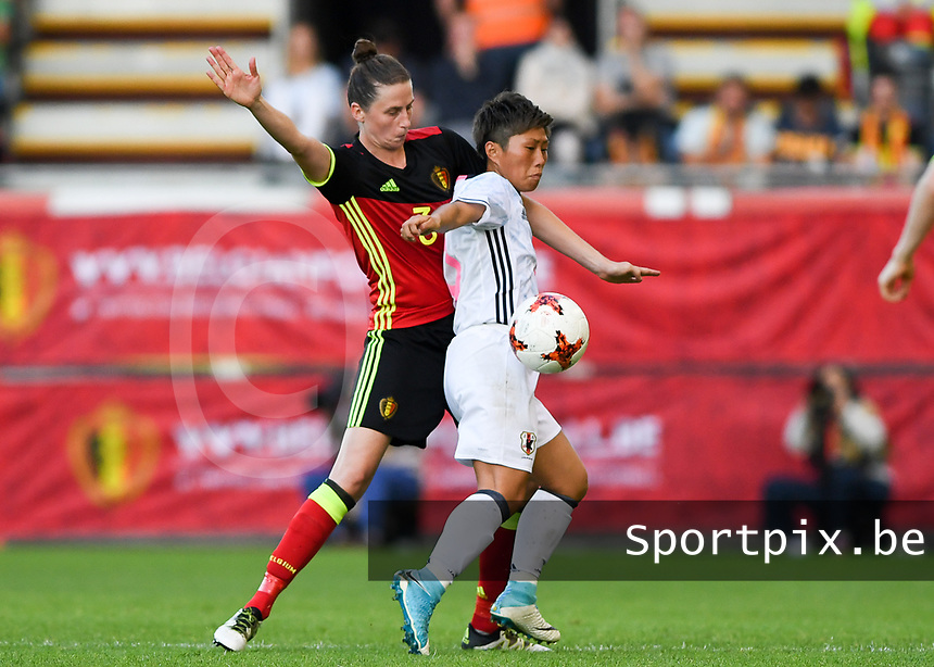 20170613 - LEUVEN ,  BELGIUM : Belgian Heleen Jaques (left) pictured defending on Japanese Kumi Yokoyama (r) during the friendly female soccer game between the Belgian Red Flames and JAPAN , a friendly game in the preparation for the European Championship in The Netherlands 2017  , Tuesday 13 th June 2017 at Stadion Den Dreef  in Leuven , Belgium. PHOTO SPORTPIX.BE | DAVID CATRY