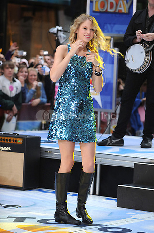 Taylor Swift performs on the NBC Today Show Toyota Concert Series at Rockefeller Center in New York City. May 29, 2009. Credit: Dennis Van Tine/MediaPunch