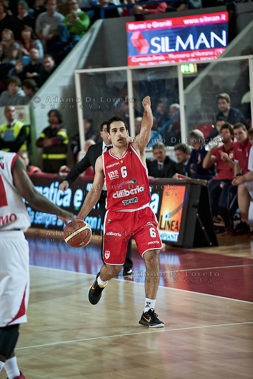 Teramo 15-01-2012 Campionato di Lega A1 Basket 2011/2012: TERAMO BASKET VS CIMBERIO VARESE. IN FOTO STIPCEVIC ROK VARESE
