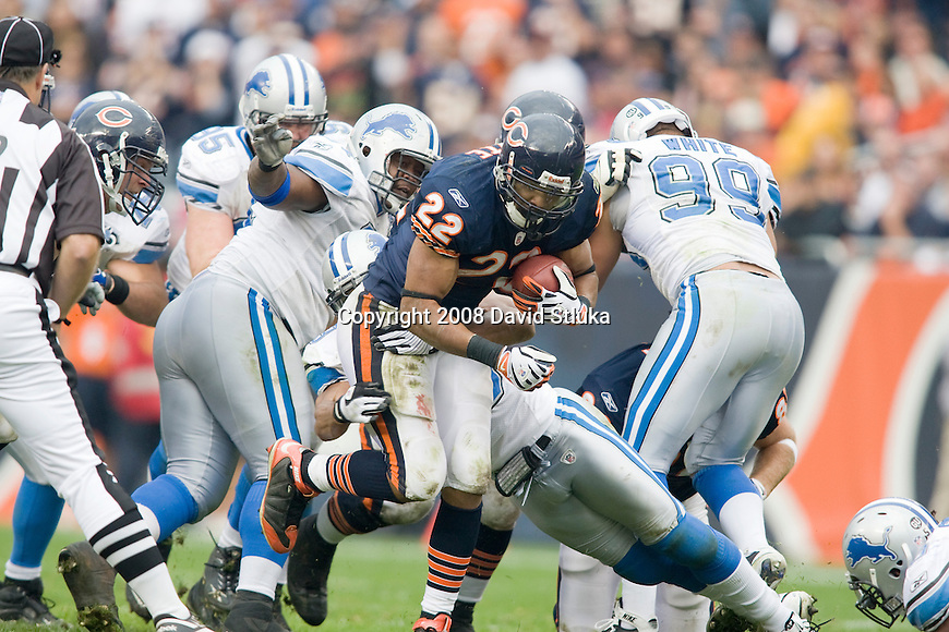 CHICAGO - NOVEMBER 2: Running back Matt Forté #22 of the Chicago Bears carries the ball against the Detroit Lions at Soldier Field on November 2, 2008 in Chicago, Illinois. The Bears defeated the Lions 27-23. (Photo by David Stluka)