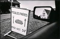 Europe/France/Nord-Pas-de-Calais/Pas-de-calais/62/Env de Wimereux: Enseigne Moules-Frites d'un restaurant