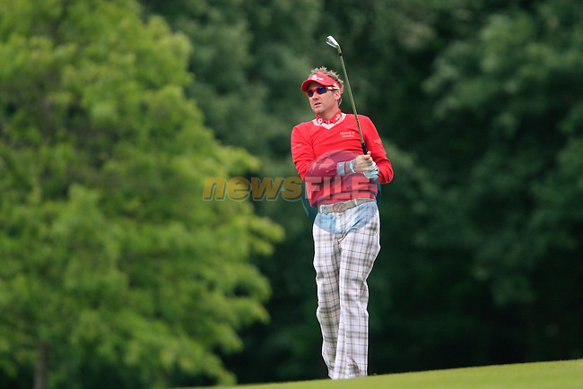 Ian Poulter (ENG) plays his 2nd shot on the 1st hole during Day 3 of the BMW PGA Championship Championship at, Wentworth Club, Surrey, England, 28th May 2011. (Photo Eoin Clarke/Golffile 2011)