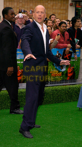 "BRUCE WILLIS.""Over The Hedge"" UK film premiere at Vue West End, London, UK..June 22nd, 2006.Ref: CAN.full length blue suit.www.capitalpictures.com.sales@capitalpictures.com.©Capital Pictures"