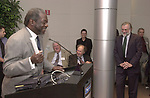 Les Payne speaking at Celebration of 35th Anniversary of Newsday Investigations Team held in Newsday Auditorium in Melville on Thursday September 26, 2002. (Newsday photo by Jim Peppler).
