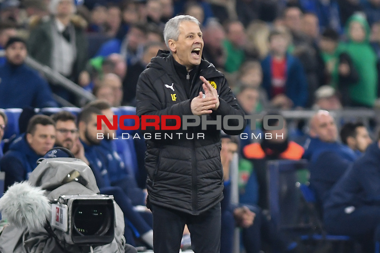 08.12.2018, Veltins-Arena, Gelsenkirchen, GER, 1. FBL, FC Schalke 04 vs. Borussia Dortmund, DFL regulations prohibit any use of photographs as image sequences and/or quasi-video<br /> <br /> im Bild Lucien Favre (Borussia Dortmund) Gestik / Geste / gestikuliert / <br /> <br /> Foto &copy; nordphoto/Mauelshagen