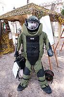 Roma 4  Maggio 2011. Mezzi militariin piazza Venezia per i 150° dell'anniversario della costituzione dell'Esercito Italiano..Combinazione Antiesplosione EOD9.