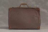 Willard Suitcases / W W H / ©2014 Jon Crispin