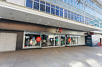 Pictured: The closed H&M store in the city centre of Swansea, Wales, UK. Wednesday 25 March 2020 <br /> Re: Covid-19 Coronavirus pandemic, UK.