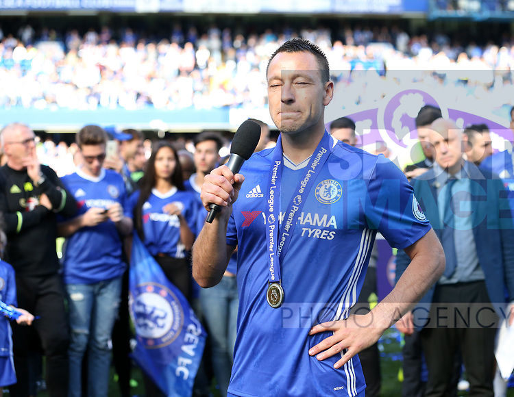 Chelsea's John Terry makes a speech during the Premier League match at Stamford Bridge Stadium, London. Picture date: May 18th, 2017. Pic credit should read: David Klein/Sportimage