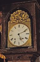 Europe/France/Auvergne/15/Cantal/Loubaresse: Ecomusée de la Margeride: Maison du paysan - Détail horloge