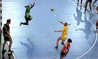 EHF Champions League Handball Damen / Frauen / Women - HC Leipzig HCL : SD Itxako Estella (spain) - Arena Leipzig - Gruppenphase Champions League - im Bild: Angriff durch Natalie Augsburg. Luftbild Vogelperspektive Luftaufnahme von oben. Foto: Norman Rembarz .