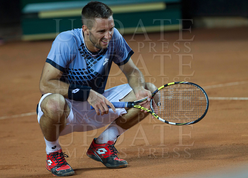 Il serbo Viktor Troicki durante il match contro il giapponese Kei Nishikori durante gli Internazionali d'Italia di tennis a Roma, 14 maggio 2015. <br /> Serbia's Viktor Troicki reacts after missing a point against Japan's Kei Nishikori during the Italian Open tennis tournament in Rome, 14 May 2015.<br /> UPDATE IMAGES PRESS/Riccardo De Luca