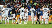 SALVADOR – BRASIL, 15-06-2019: Jugadores de Argentina lucen decepcionados después del partido de la Copa América Brasil 2019, grupo B, entre Argentina y Colombia jugado en el Itaipava Fonte Nova Arena de la ciudad de Salvador, Brasil. / Players of Argentina look disappointed after a the Copa America Brazil 2019 group B match between Argentina and Colombia played at Itaipava Fonte Nova Arena in Salvador, Brazil. Photos: VizzorImage / Julian Medina / Cont / FCF