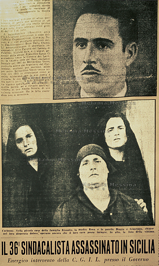 un giornale dell'epoca riporta la notizia dell'omicidio a Corleone di Placido Rizzotto,nella foto le donne della famiglia di Placido.<br />