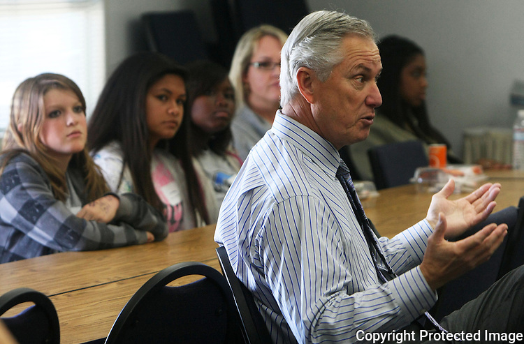 OUSD Superintendent Larry Perondi talks with high school students in 2010 during a student advisory council meeting at the district office in Oceanside, California.   photo for the North County TImes