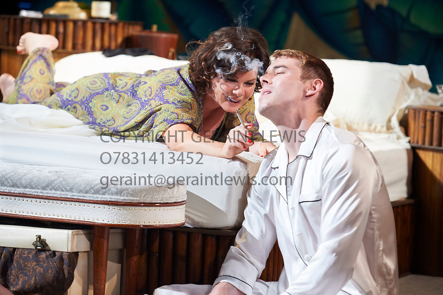 Sweet Bird Of Youth by Tennessee Williams, directed by Jonathan Kent. With Marcia Gay Harden as The Princess Kosmonopolis aka Alexandra del Lago, Brian J smith as Chance Wayne. Opens at The Chichester Festival Theatre on 9/6/17.