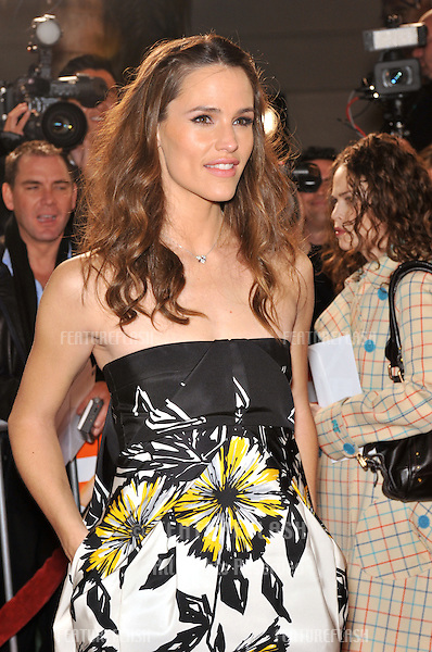 """Jennifer Garner at the Los Angeles premiere of her new movie """"Juno"""" at Mann Village Theatre, Westwood..December 3, 2007  Los Angeles, CA.Picture: Paul Smith / Featureflash"""