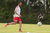 SÃO PAULO, SP, 18.08.2015 - FUTEBOL-SÃO PAULO -  Wesley durante treino do São Paulo Futebol  no Centro de Treinamento da Barra Funda, na manhã desta terça-feira (18). (Foto: Adriana Spaca/Brazil Photo Press)
