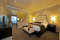 EUS- Inn on 5th Club Level Suites & Concierge Lounge, Naples Fl 12 13
