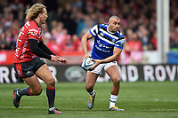 Jonathan Joseph of Bath Rugby looks to pass the ball. Gallagher Premiership match, between Gloucester Rugby and Bath Rugby on April 13, 2019 at Kingsholm Stadium in Gloucester, England. Photo by: Patrick Khachfe / Onside Images