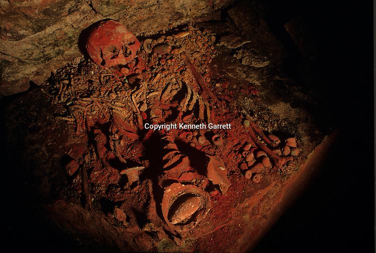 MM5571; Maya; Copan, Tomb, Margarita Tomb, jade, beads, artifact,  Mayan; Honduras;